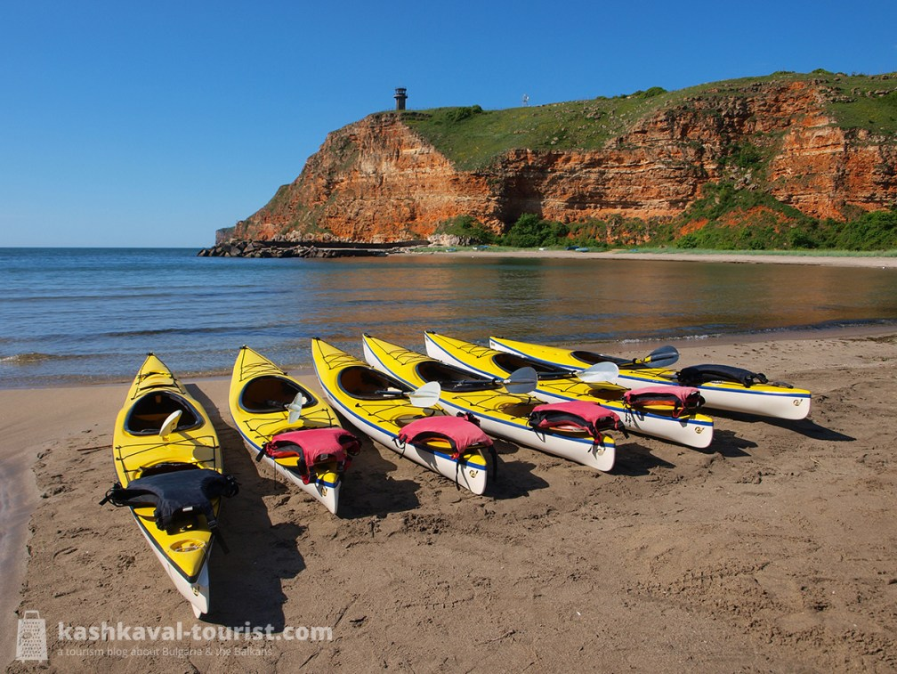 Rounding the cape: embark on a sea kayaking tour