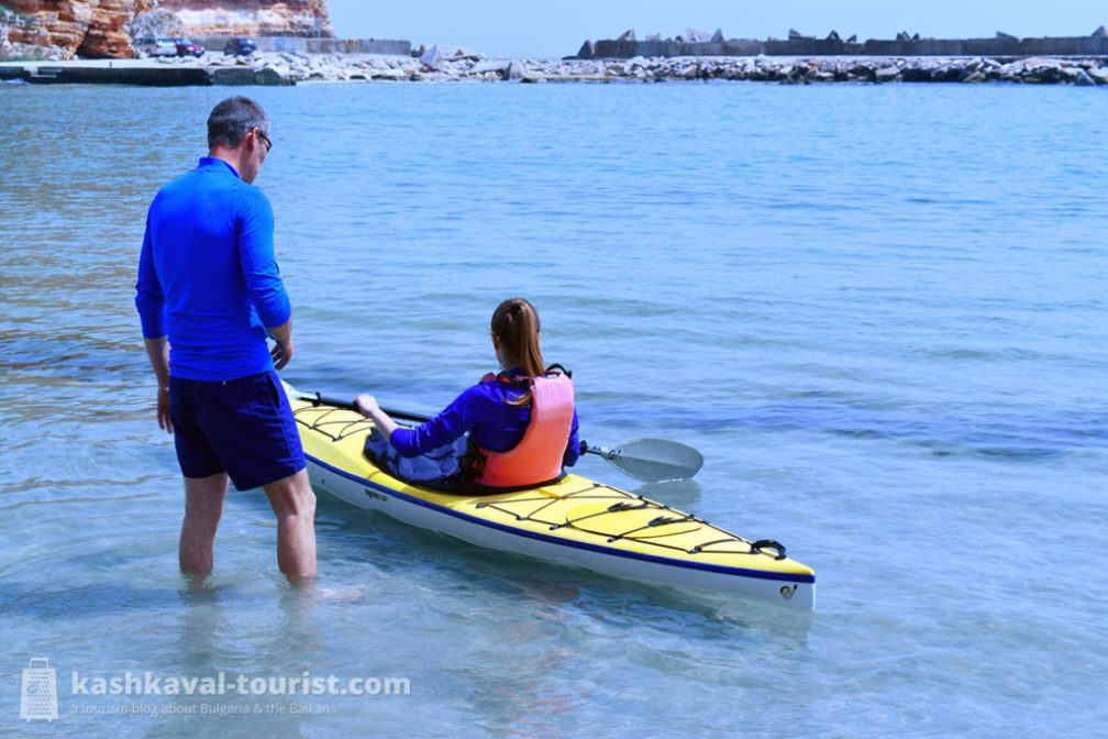 Sportswear and an action camera are highly recommended for your kayaking adventure!
