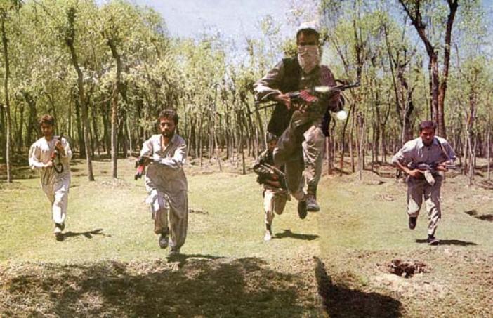 kashmir-militants-during-a-training-session