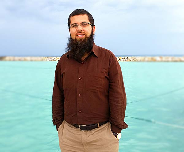 Dr-Qayum-Hamid-Changal-in-Maldaves