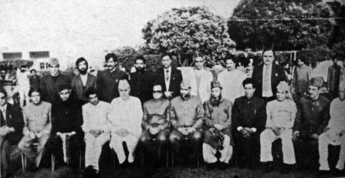 Post March 23, 1987 elections, Dr Farooq with his cabinet after taking oath of office and secrecy. (Photos in special arrangement with MERAJUDDIN)