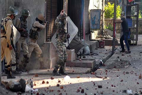 Three Protesters Injured In Clashes With Government Forces In Pulwama