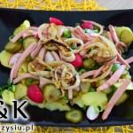 Sałatka ziemniaczana z kiełbasą – w sam raz do grilla