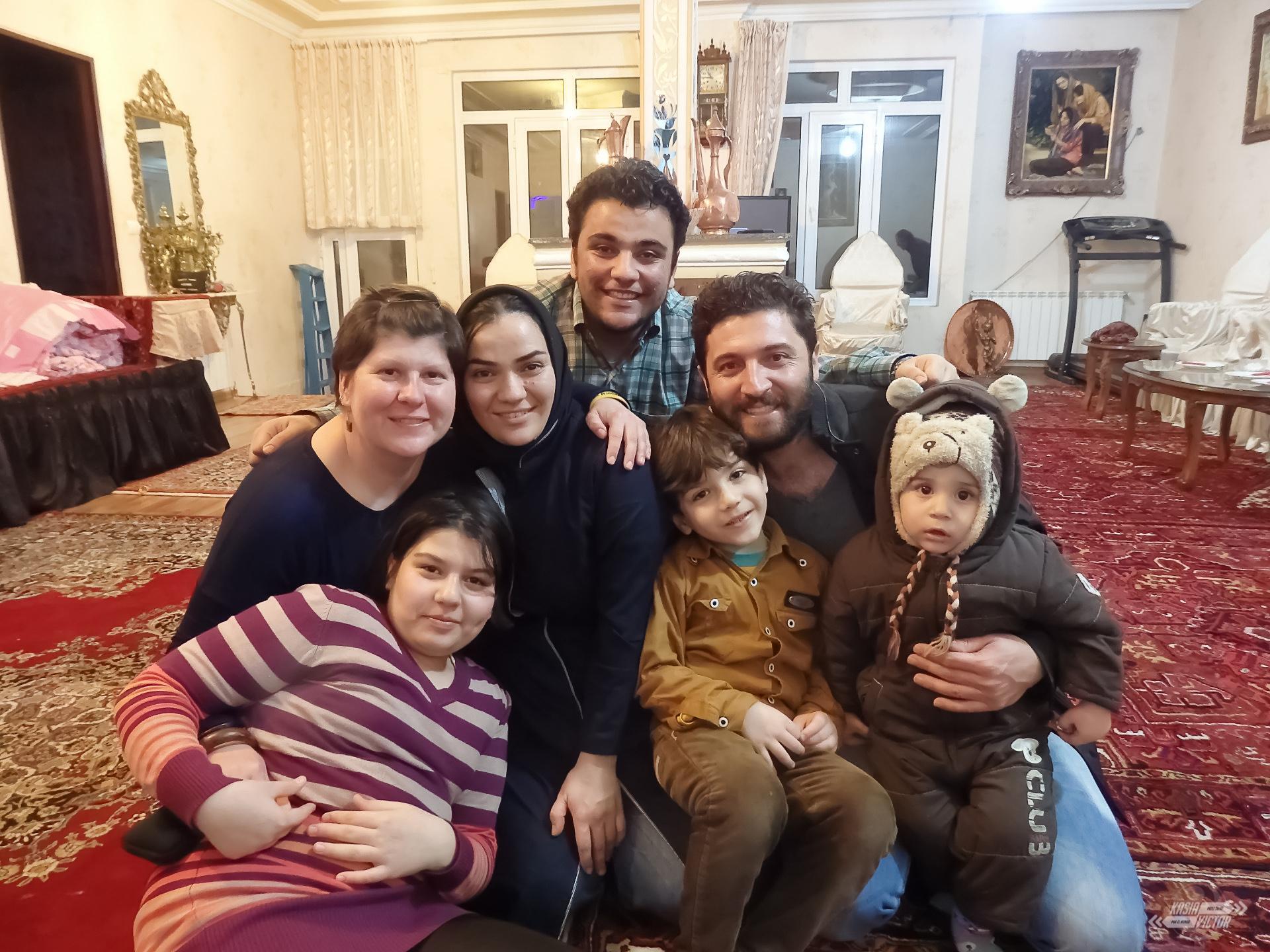 Mahdi Y Parte De Su Familia
