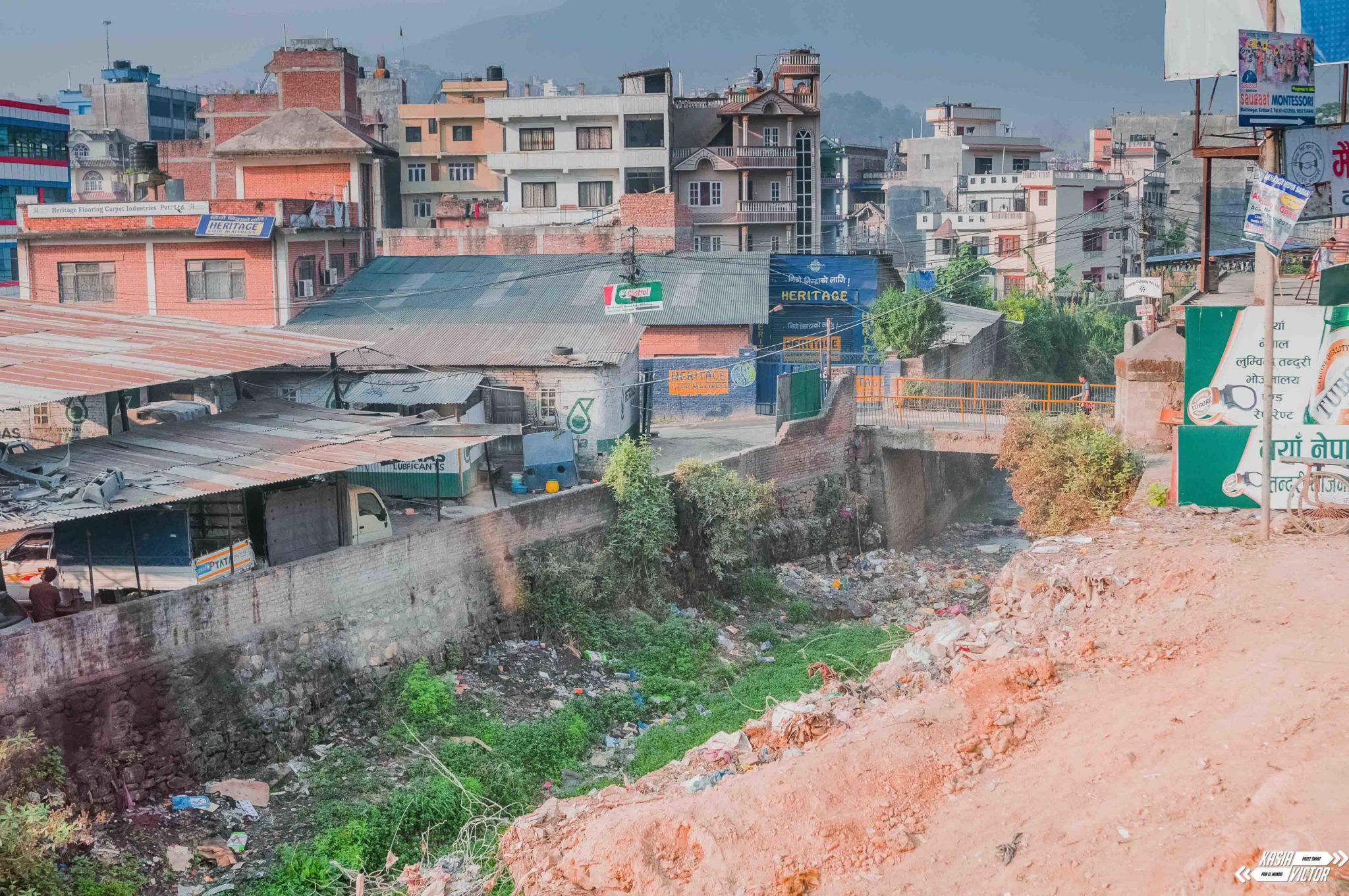 Katmandú. Grandes Expectativas Por Los Suelos