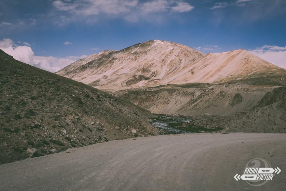 Pamir Highway autostopem