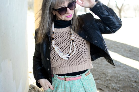 over forty daily outfit blogger parrot necklace pastel ootd whatiwore2day
