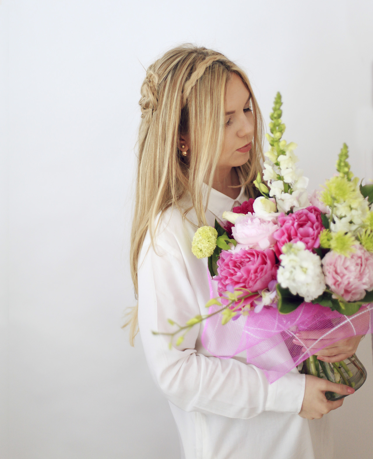 long-blonde-hair-flowers-tumblr-girl
