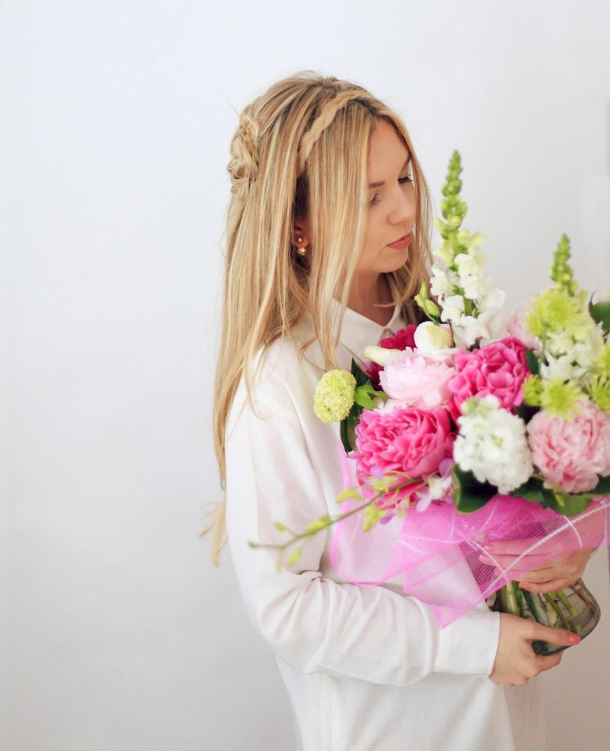 long-blonde-hair-flowers-tumblr-girl