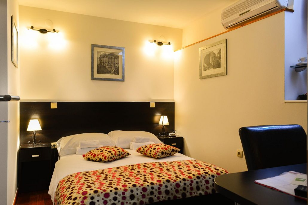 Rooms  Suites  Cheap Hotel in Split