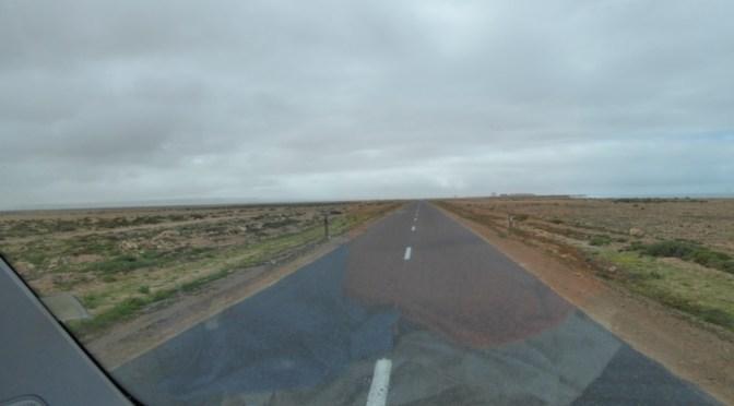West-Sahara-Fahrt: von El Ouatia nach Oued Chbika (30 km)