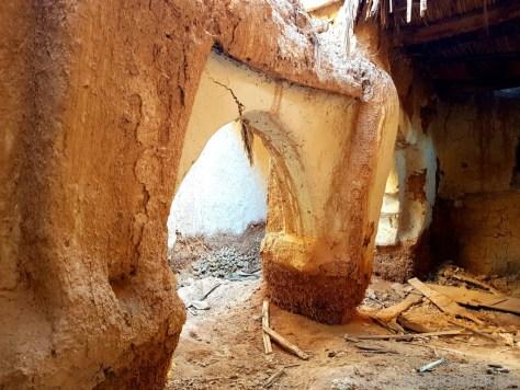 Ruine einer Moschee aus Lehm
