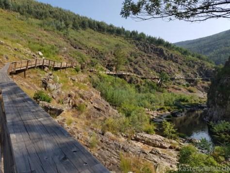 Holzbohlenweg in Portugal