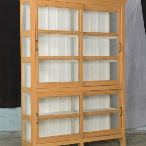 Zeer charmante prachtige vitrinekast -servieskast – teakhouten kast