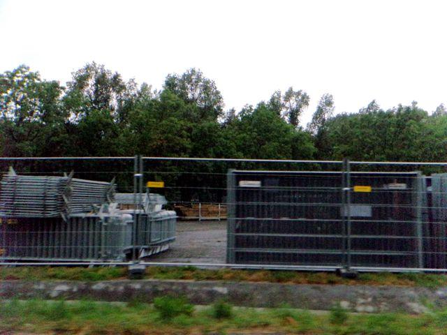 construction metal fence pieces