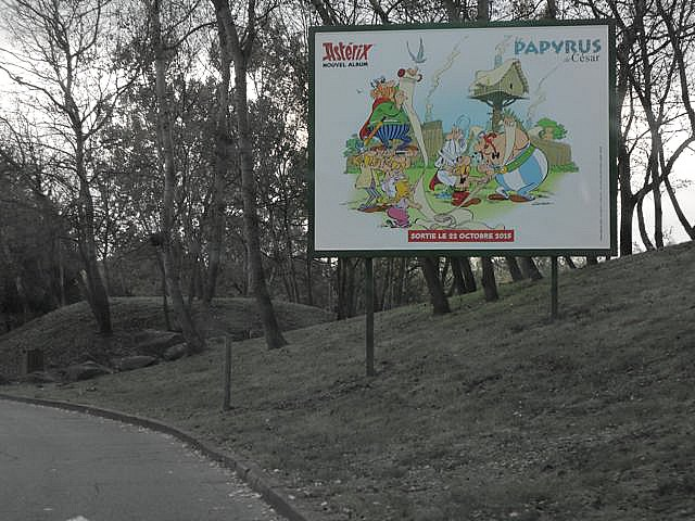 papyrus asterix parc obelix billboard advertisement ad coming soon