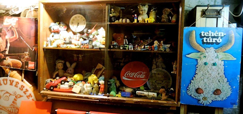 vitrage flea market memories communism toys ruin pub tour budapest flow