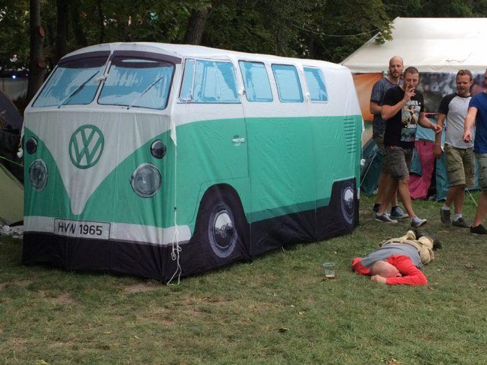 volkswagen tent sziget festival
