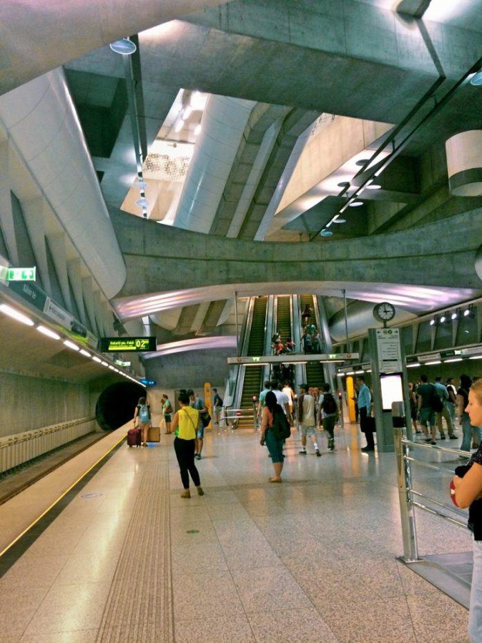 kalvin ter metro stop underground M4 Budapest public transport public sphere architecture station