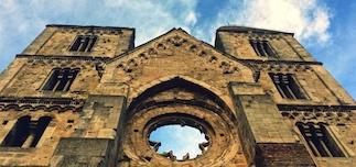 Zsambek monastery ruin earthquake disaster rosetta day trip Budapest