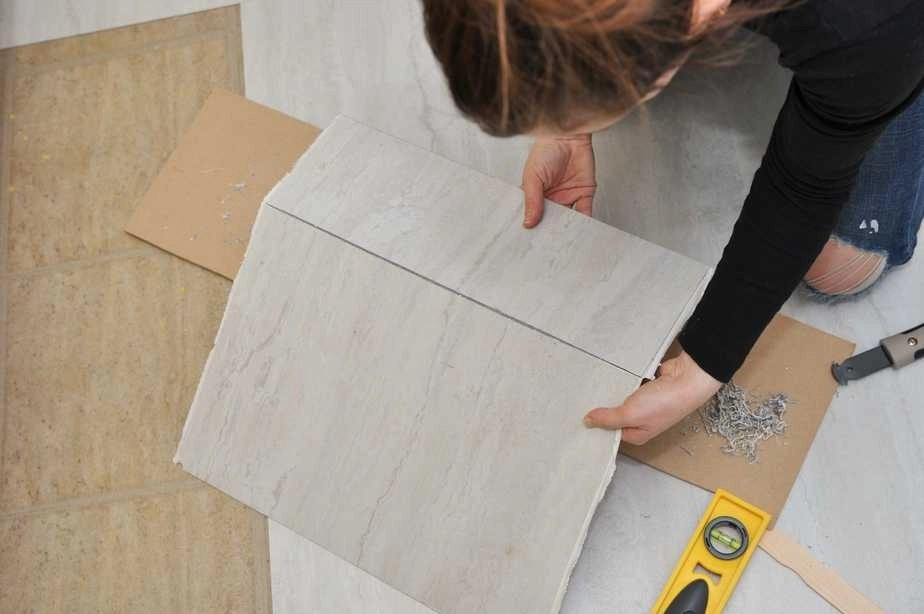 3 things you need to know before using peel and stick floor tile aside from the basic facts about peel and stick vinyl floor tile that you can get from any home improvement store website these are my i tried it secrets dailygadgetfo Choice Image