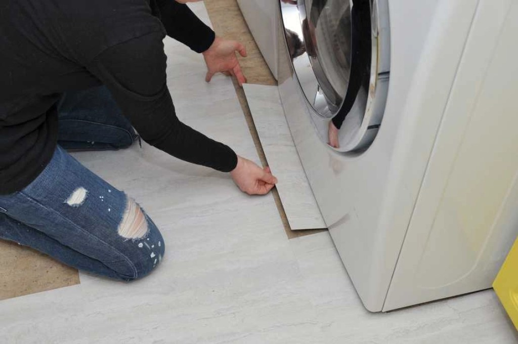 3 Things You Need To Know Before Using Peel And Stick Tile Flooring