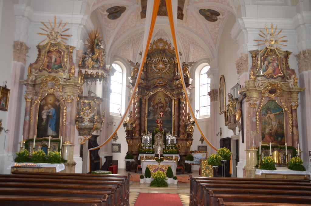 Kirchenschmuck  Ostern 2012