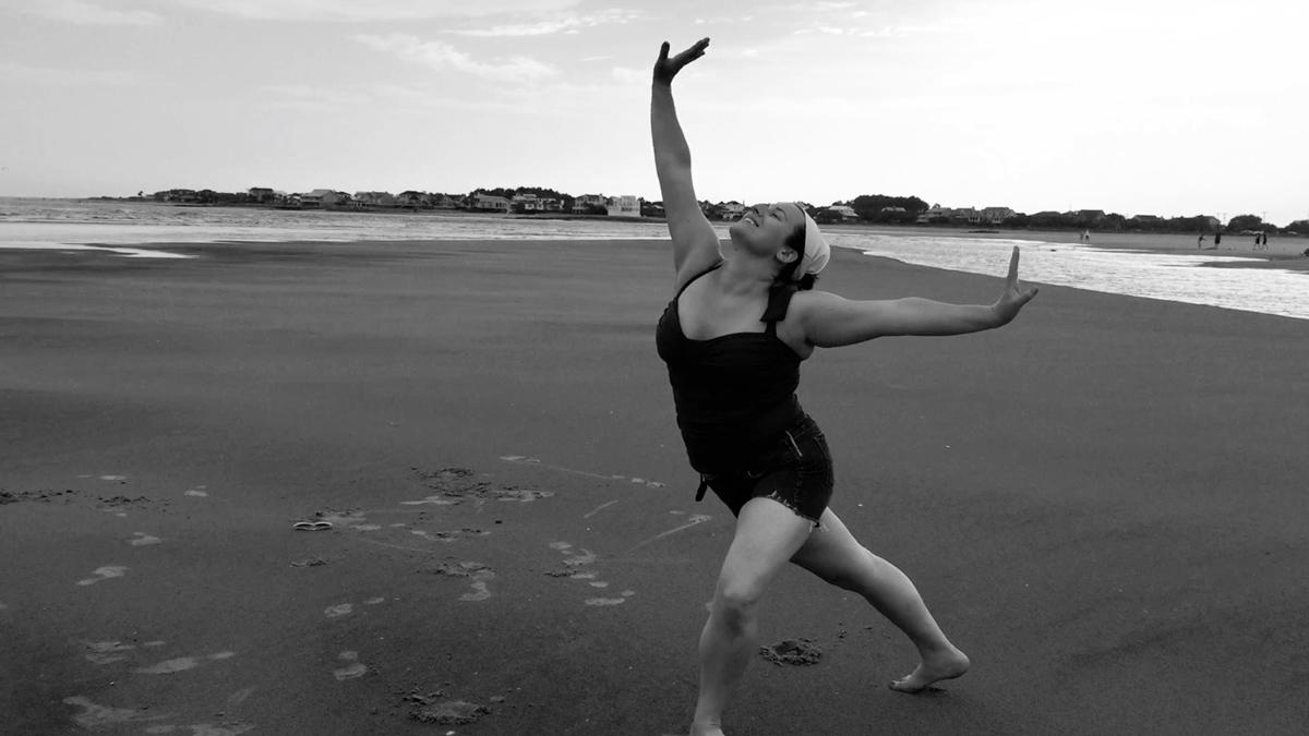 tina-dancing-on-the-beach-15
