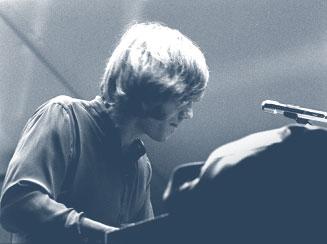 Πέθανε ο Ray Manzarek, ιδρυτικό μέλος των Doors