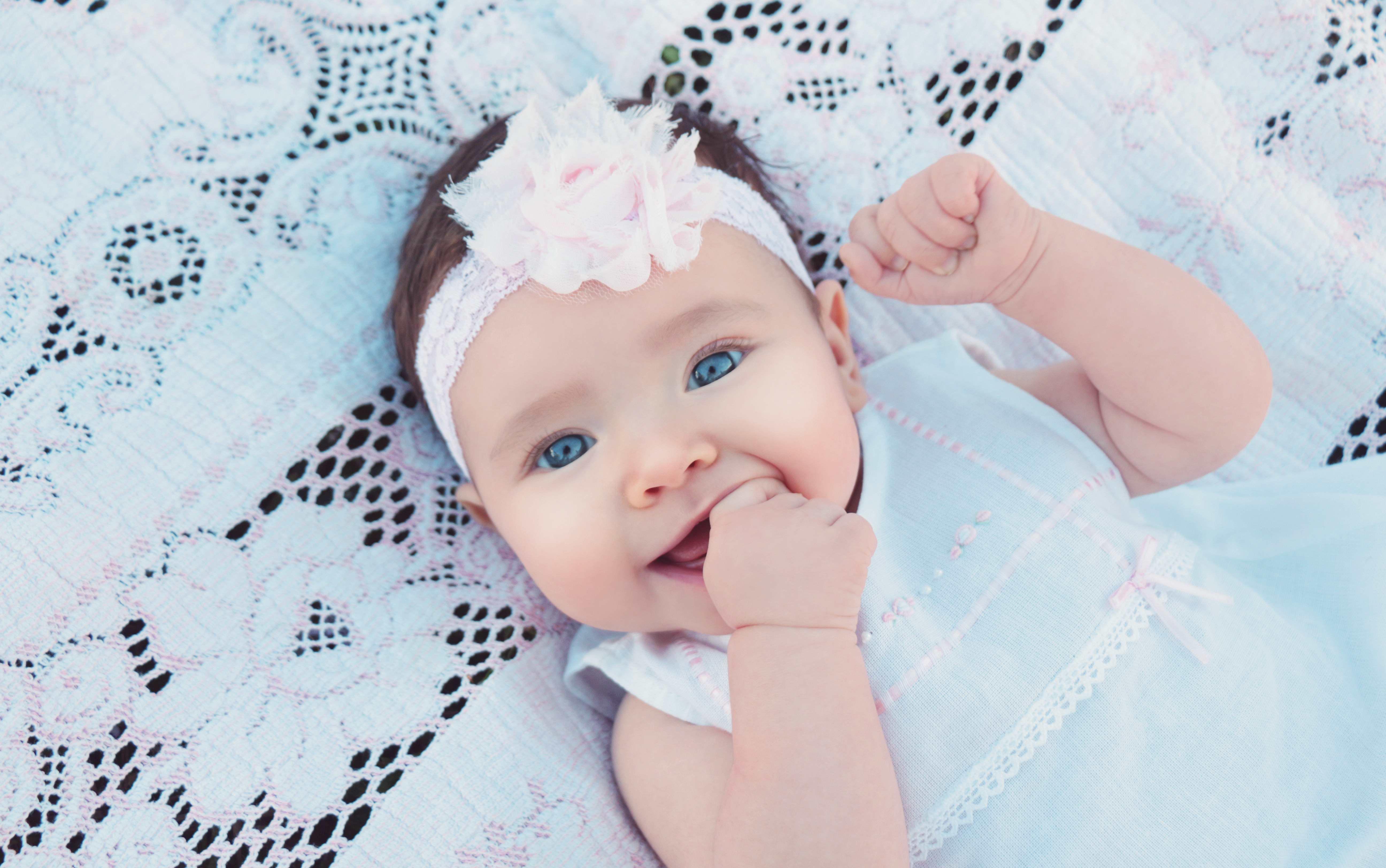 – 12 a Furlong family portrait photographer katherine eastman photography miami south florida birthday fairytale chagrin falls swing baby