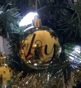 easy vinyl ornament