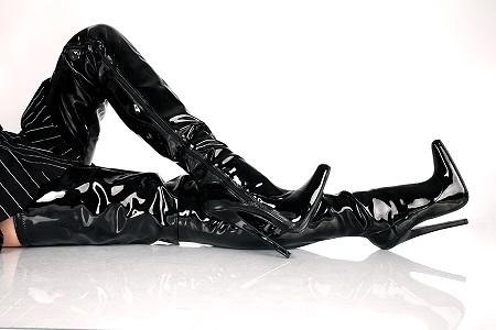 Lack Crotch Overkneestiefel schwarz extrem hoher Absatz von Kassiopeya