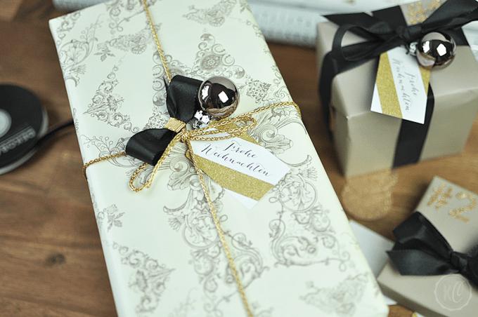 Weihnachtsgeschenke verpacken und Anhänger zum Ausdrucken