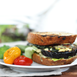 Gegrilltes Melanzani-Sandwich