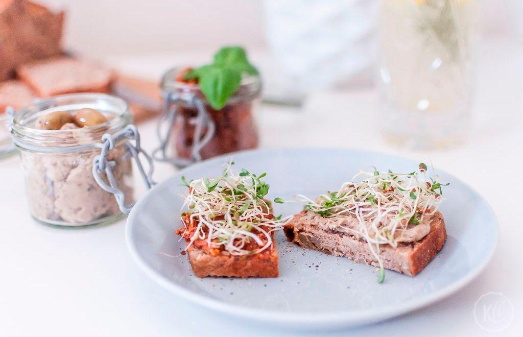 Bohnen-Oliven- und Tomaten-Basilikum-Dip
