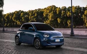 Ο Πρόεδρος της Fiat, πραγματοποιεί την πρώτη δοκιμαστική μονάδα του New Electric 500