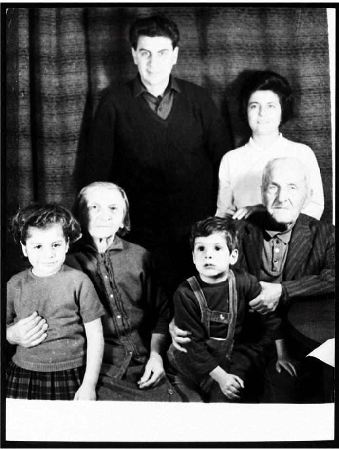mikis-theodorakis-1925-2021-apochairetismos-se-enan-megalo-ellina8