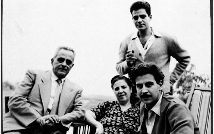 mikis-theodorakis-1925-2021-apochairetismos-se-enan-megalo-ellina10
