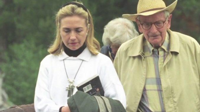 Hillary Clinton und Edgar Mitchell