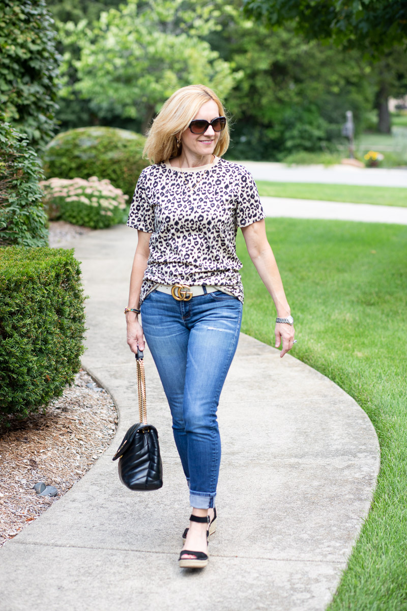 A casual summer look featuring a leopard print tee.