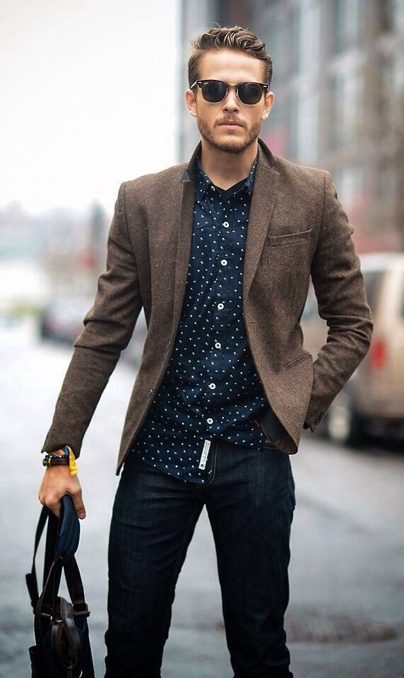 A smart business casual look for men.