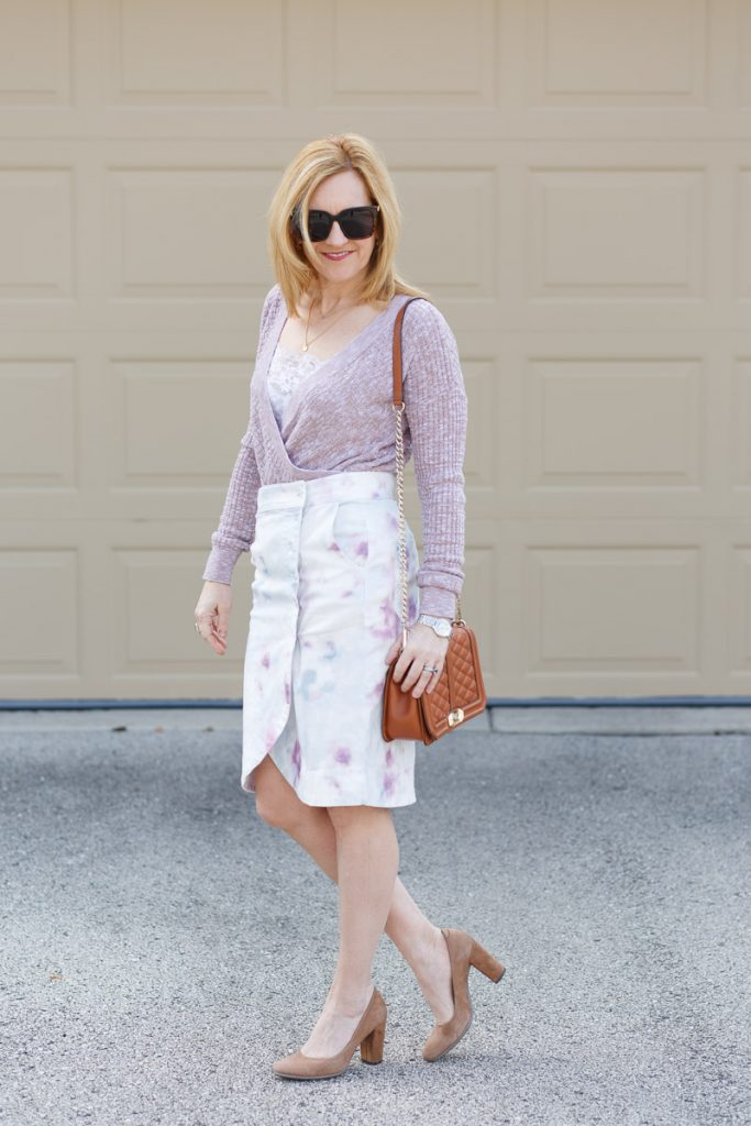 A chic spring look featuring a tie-dyed skirt.