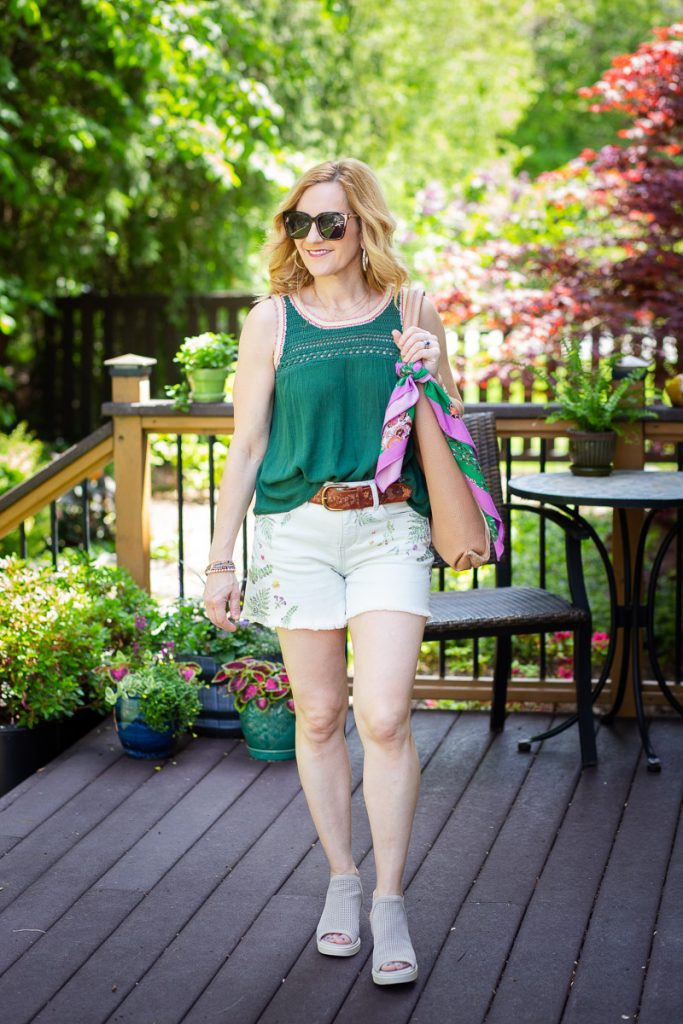 Staying cool in this casual chic summer look.