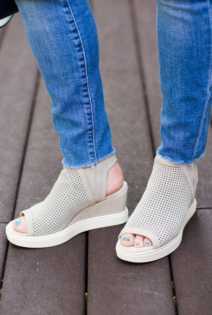 Sofft Basima Wedges in Moonstone Grey