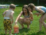 kids-in-sprinkler