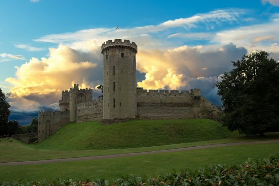 https://pixabay.com/photos/warwick-castle-fort-warwick-castle-2484196/