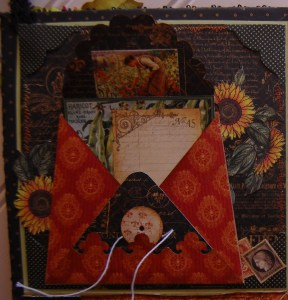 One panel contains a custom envelope with room inside for a journaling tag and photos or small souvenirs.