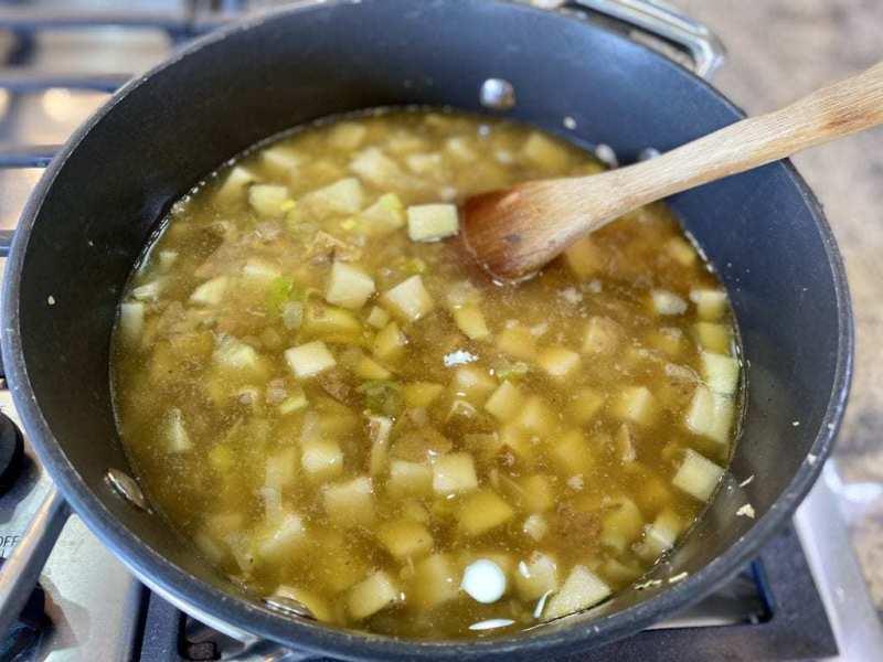 potato leek soup cooking