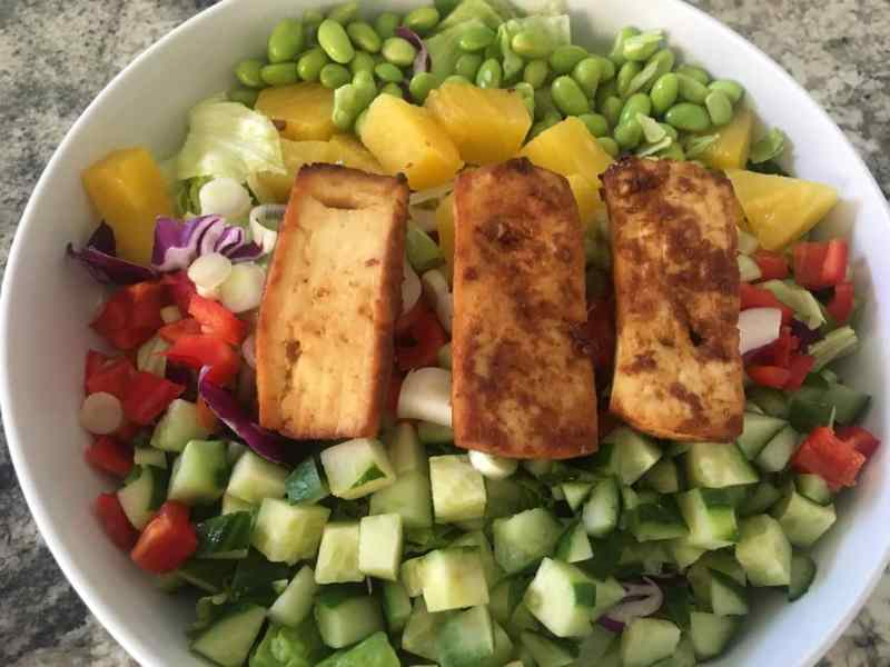 Skinny-Tofu-Bowl-1024x768 Spicy Tofu Asian Salad with Skinny Peanut Dressing