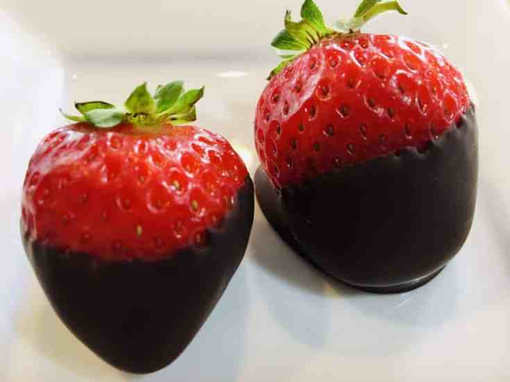 Vegan-Chocolate-Dipped-Strawberries-1-scaled Simple Vegan Chocolate Covered Strawberries